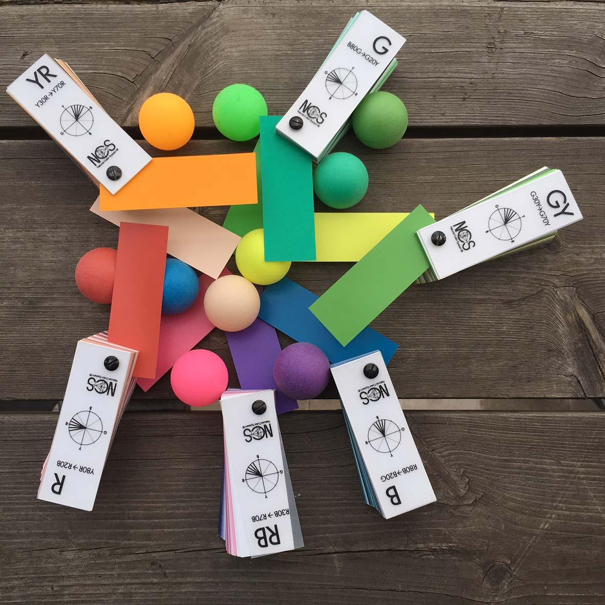 Färgprov-bollar